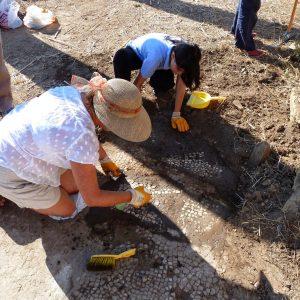 Perge-ancient-city-Excavations-100