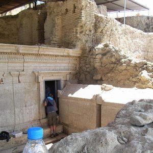 Perge-ancient-city-Excavations-127