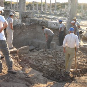 Perge-ancient-city-Excavations-41