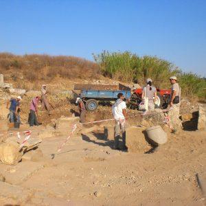 Perge-ancient-city-Excavations-44