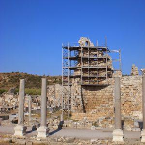 Perge-ancient-city-Excavations-63