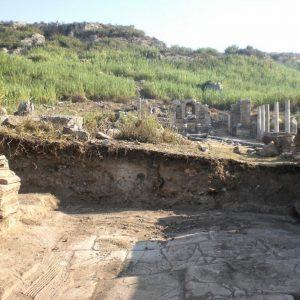Perge-ancient-city-Excavations-82