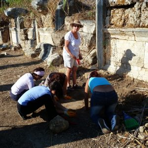 Perge-ancient-city-Excavations-98